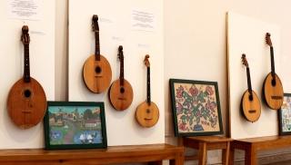 Музейні зразки інструментів